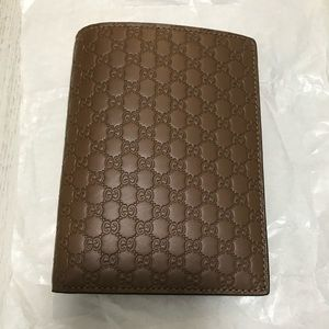 Gucci Passport Wallet